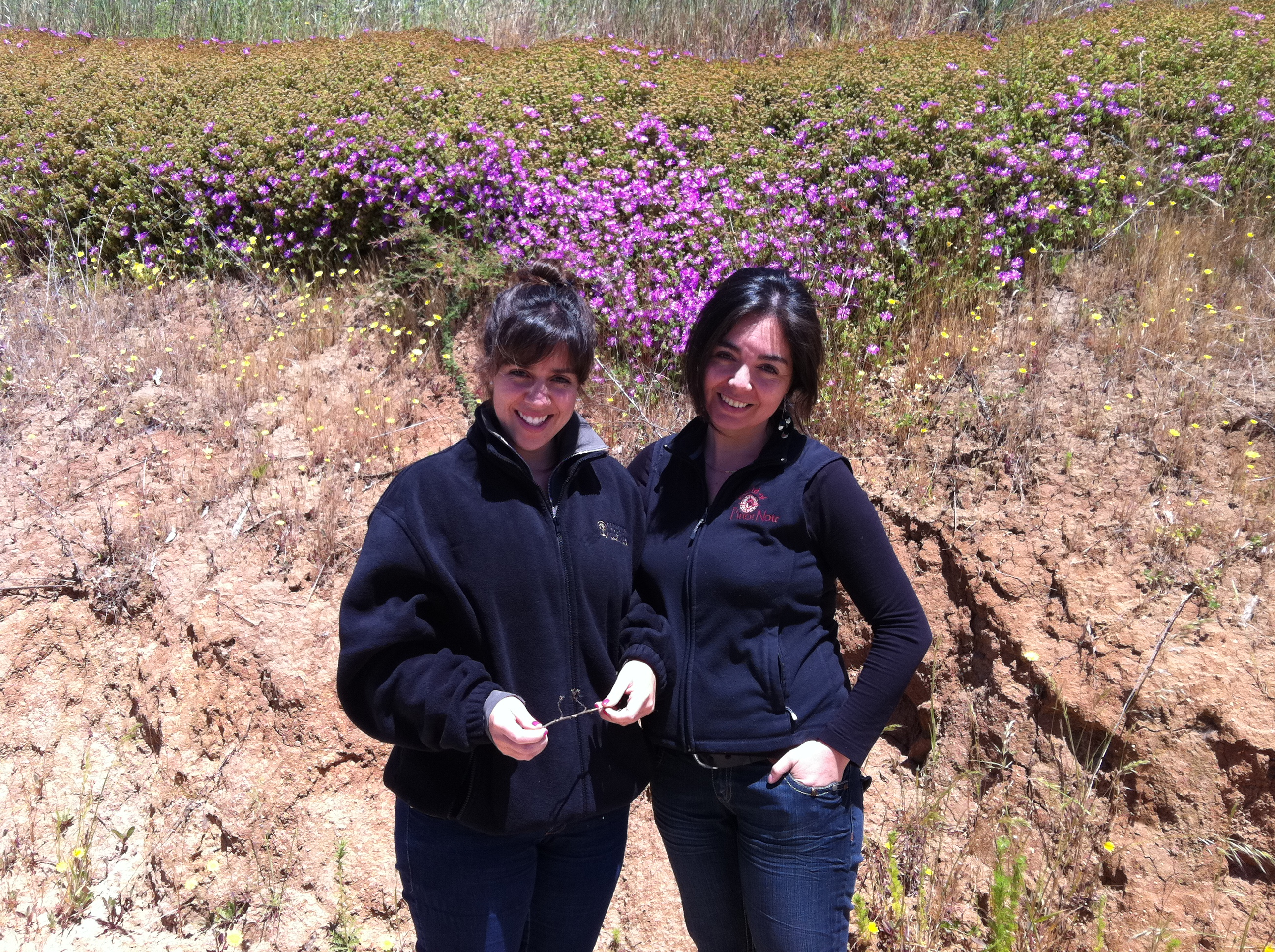 Our winemakers, Alejandra and Evelyn