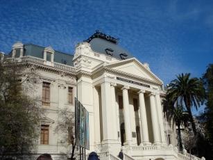 Museo Nacional de Bellas Artes located near the Lastarria Boutique Hotel