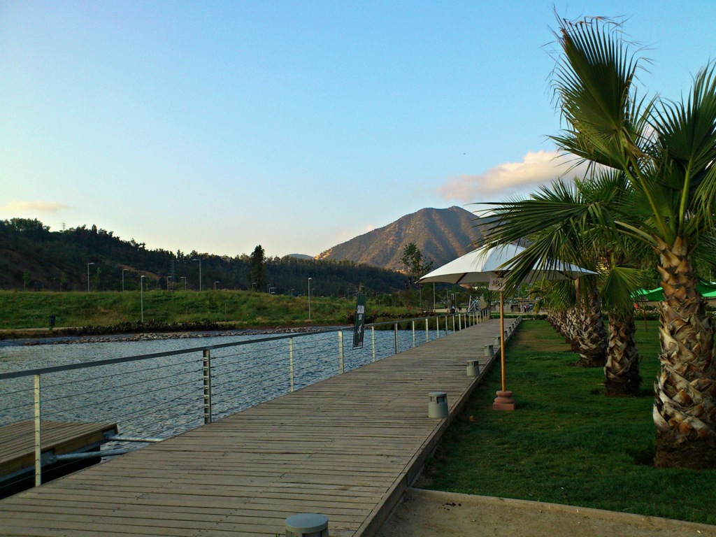The picturesque Parque Bicentenario where Mestizo is located.