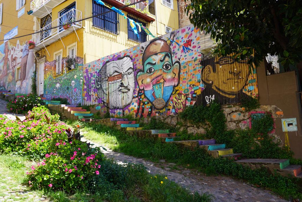 Three-Portrait-Rainbow-Mural-in-Valparaiso